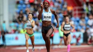Shaunae Miller-Uibo durante la carrera de 300 metros en Ostrava.