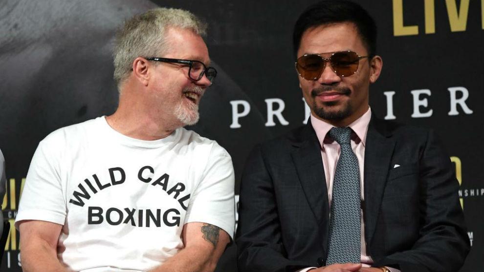 Freddie Roach junto a Manny Pacquiao el día que se presentó la pelea...
