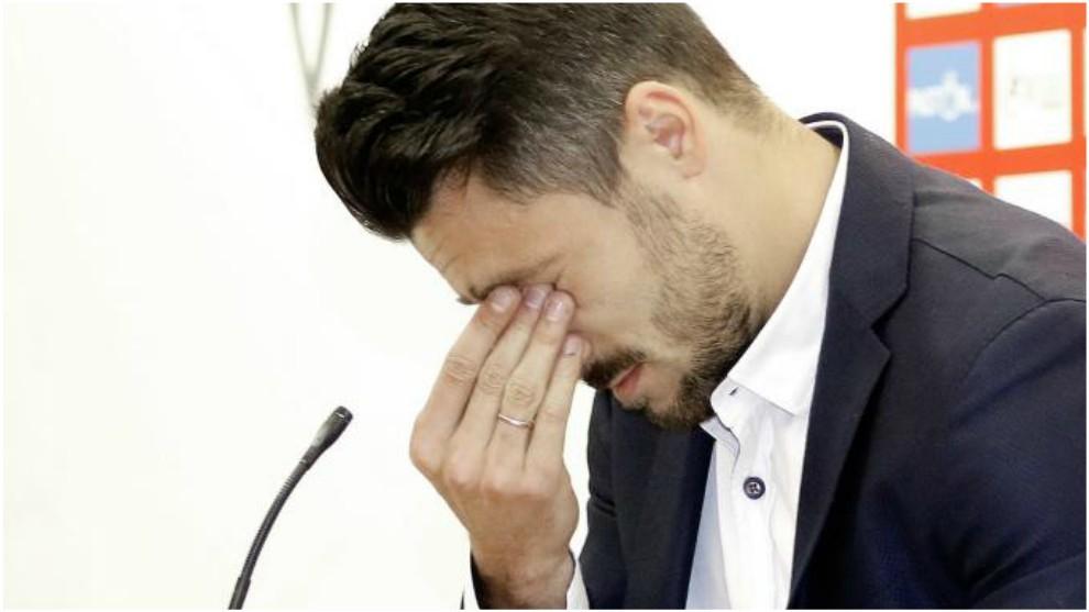 Canella, llorando durante su despedida del Sporting