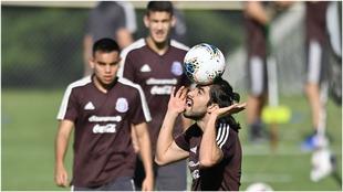 Rodolfo Pizarro, en un entrenamiento de la selección mexicana.