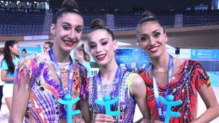 Las tres medallistas en el concurso general de la categoría de honor