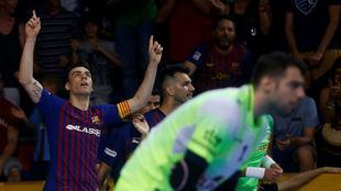 Sergio Lozano celebra uno de sus goles en el partido decisivo.