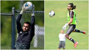 Jonathan Orozco y Rodolfo Pizarro durante un entrenamiento de la...
