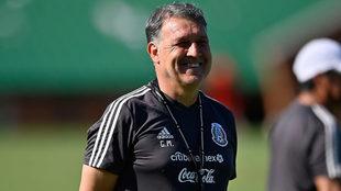 Gerardo Martino durante un entrenamiento con la selección mexicana.