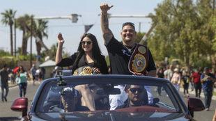 Andy Ruiz durante el desfile