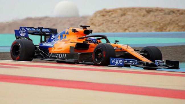 Alonso, con el McLaren en Bahréin.