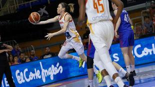 Anna Cruz anotó la canasta ganadora para España