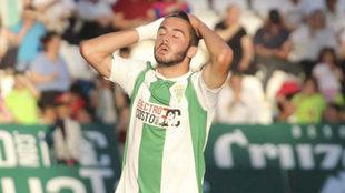 Andrés Martín se lamenta de una ocasión fallada en un partido de...