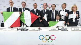 Los integrantes de la candidatura italiana durante una rueda de...