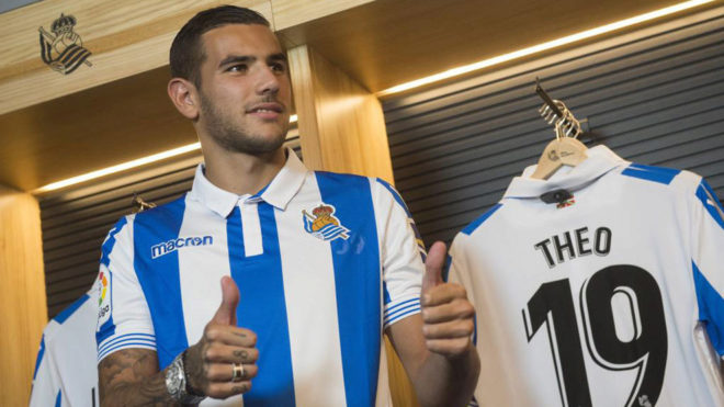 Theo Hernandez during his Real Sociedad presentation.