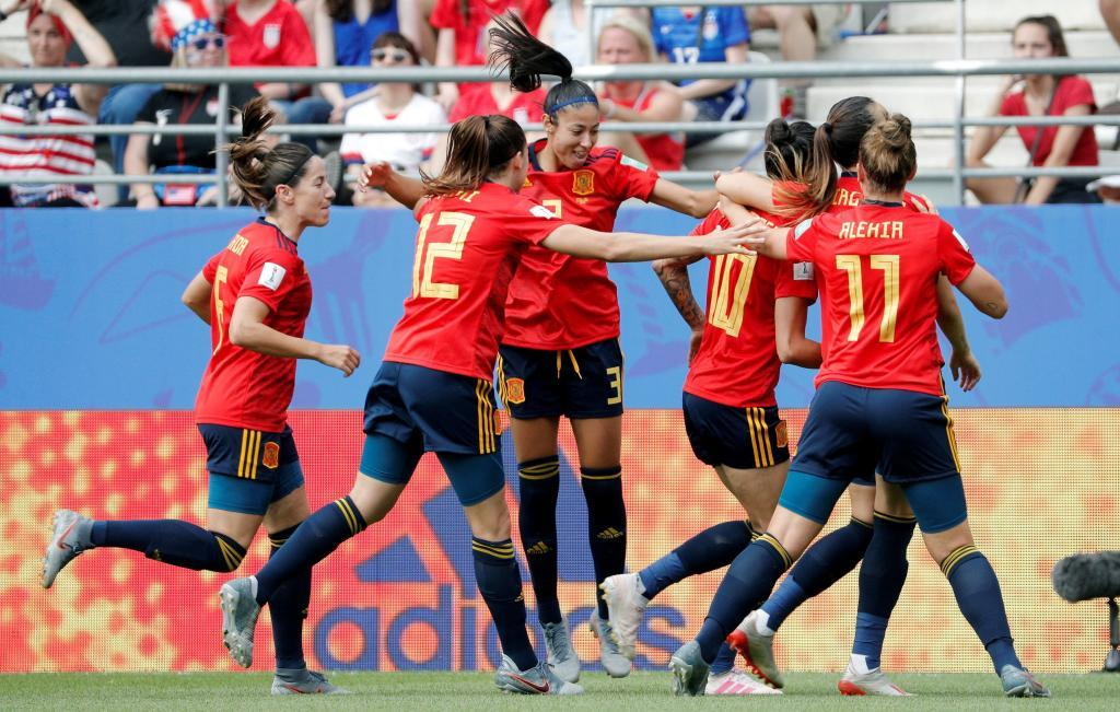 US women's soccer wins 2-1 over Spain