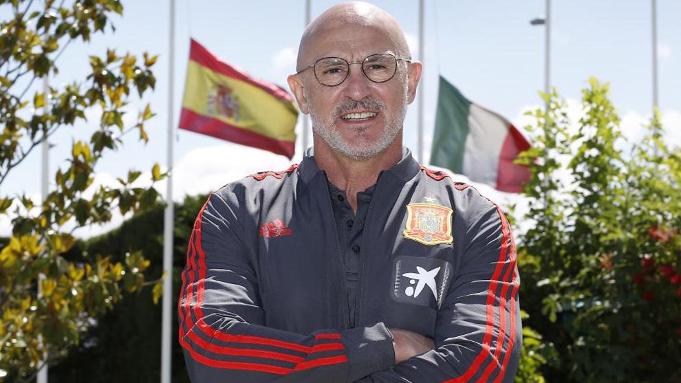 Luis de la Fuente posa para MARCA.