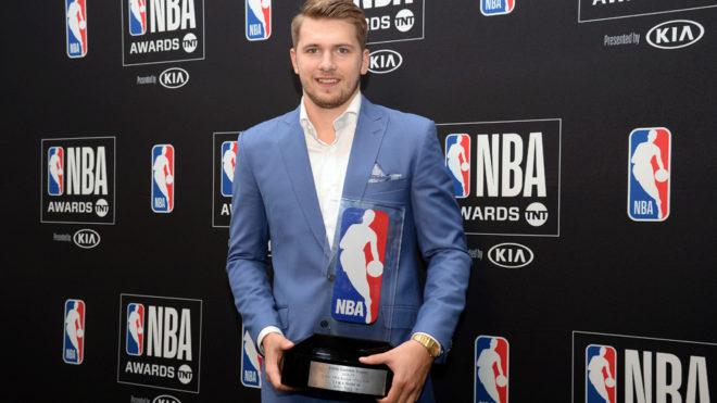 El jugador de los Mavs salió galardonado del evento