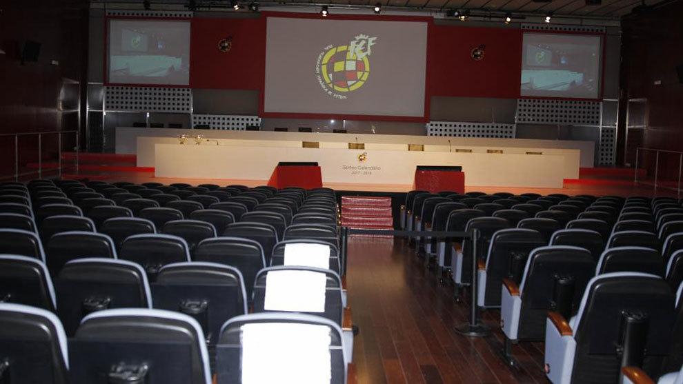 Calendario De Segunda Division De Futbol.El Sorteo Del Calendario 2019 2020 Para Primera Y Segunda Division