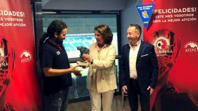 Entrega Quinipeña de mayo a la Federación de Peñas de la Real...
