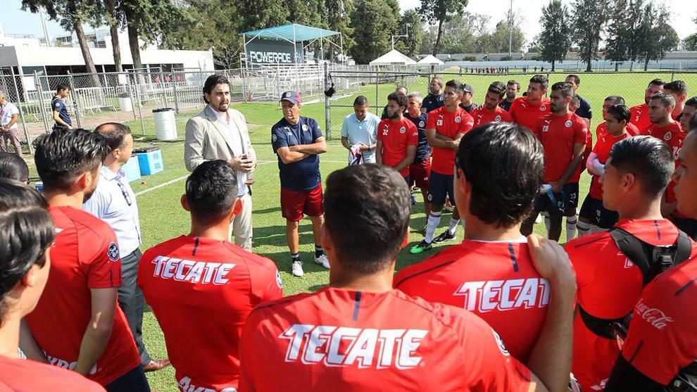 competitive price 01039 7038f Liga MX: Amaury Vergara se presenta con Ramón Morales en ...