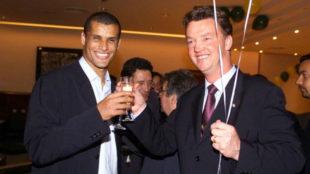 Rivaldo y Van Gaal en una imagen de archivo.