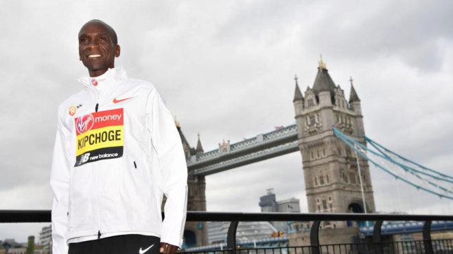Eliud Kipchoge, antes del maratón de Londres, ciudad en la que...