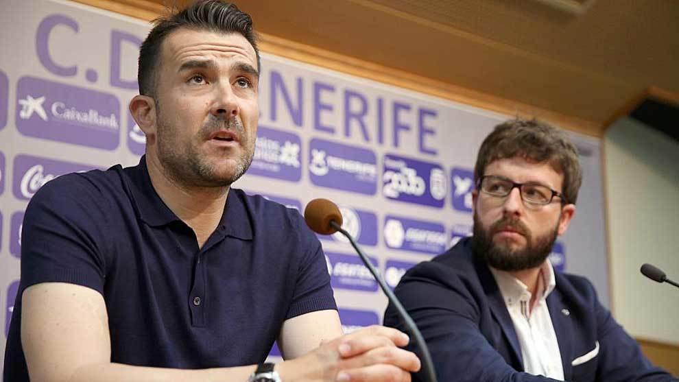 Aritz López Garai, presentado este miércoles junto al director...