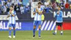 Los jugadores del Málaga tras el partido contra el Dépor.