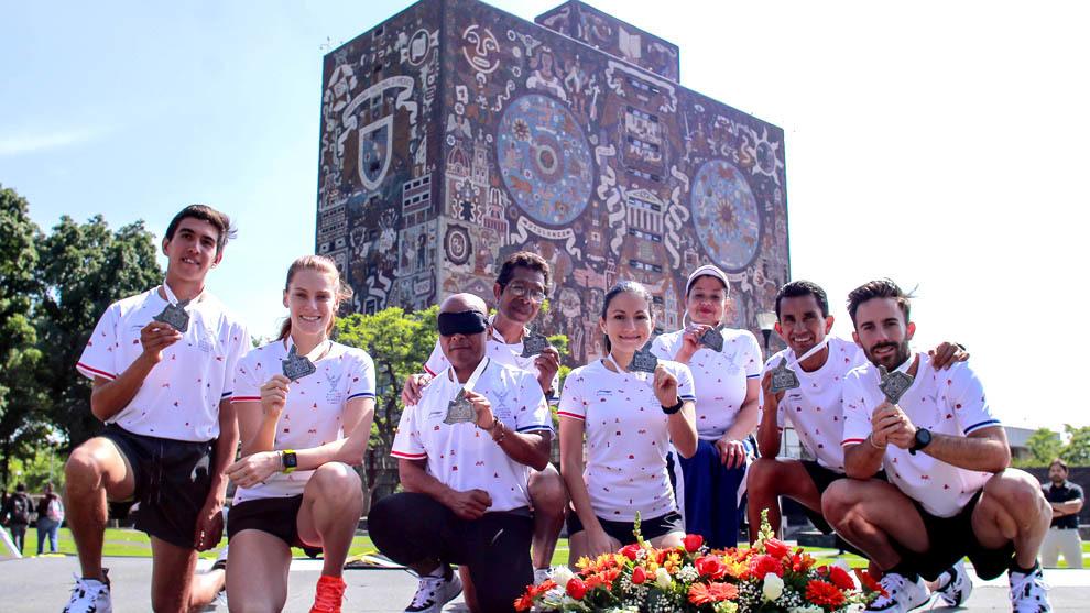 Presentan playera y medalla del Maratón de la Ciudad de México 2019