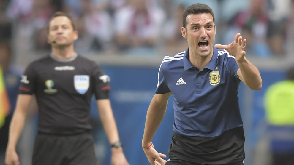 Lionel Scaloni (41), durante el partido ante Qatar.