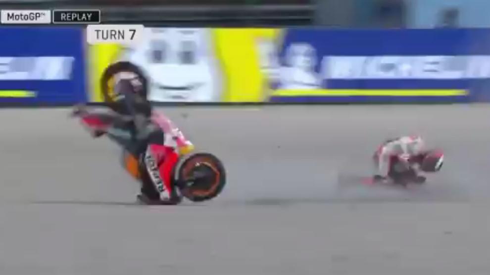 Lorenzo, en el momento de caerse.