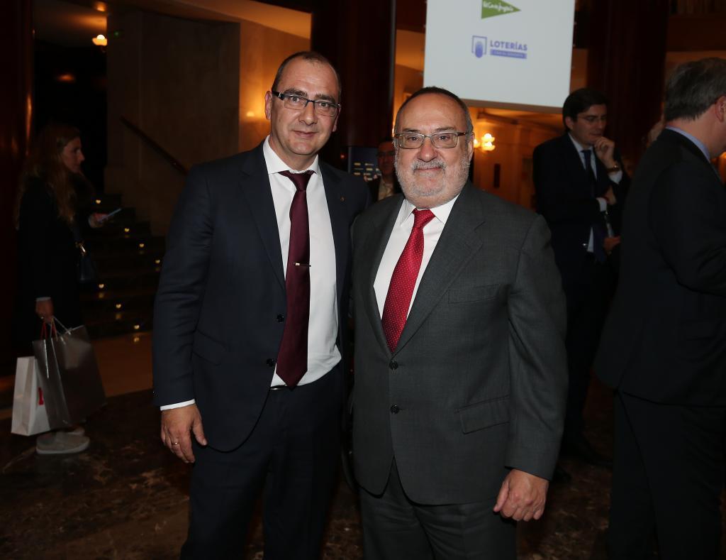 Alfredo Relaño junto al director de MARCA, Juan Ignacio Gallardo, en...