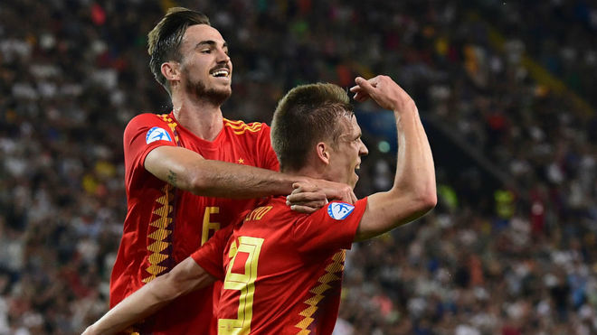 Fabian Ruiz and Dani Olmo celebrating Spain's second goal.
