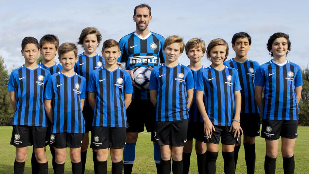 Godin Signs Three-Year Inter Deal
