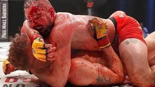 La pelea entre Nicolas 'Lokomotivo' Dalby (compartió en Instagram las...