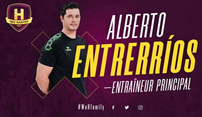 Cartel con el anuncia de Alberto Entrerríos como primer entrenador...