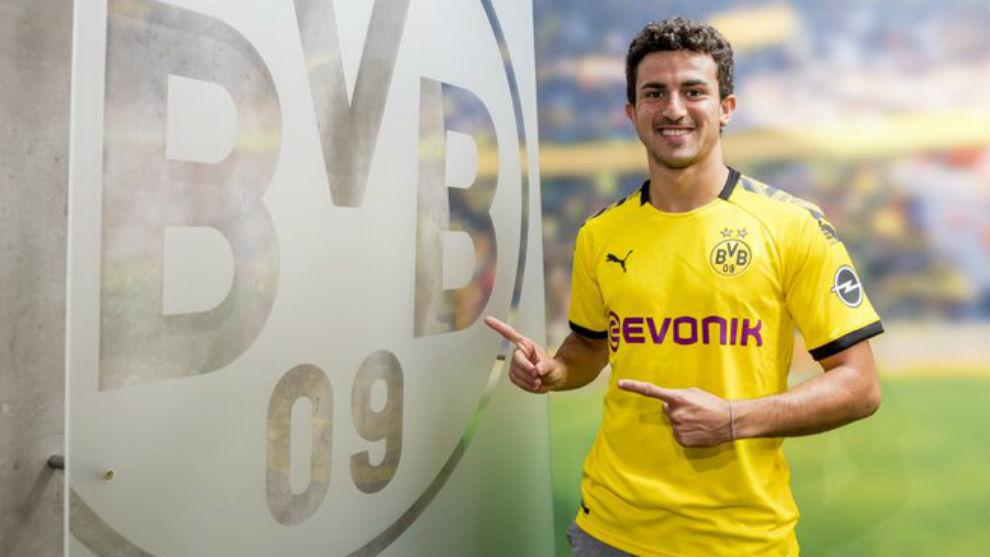 Barcelona: Official: Mateu Morey joins Borussia Dortmund | MARCA ...