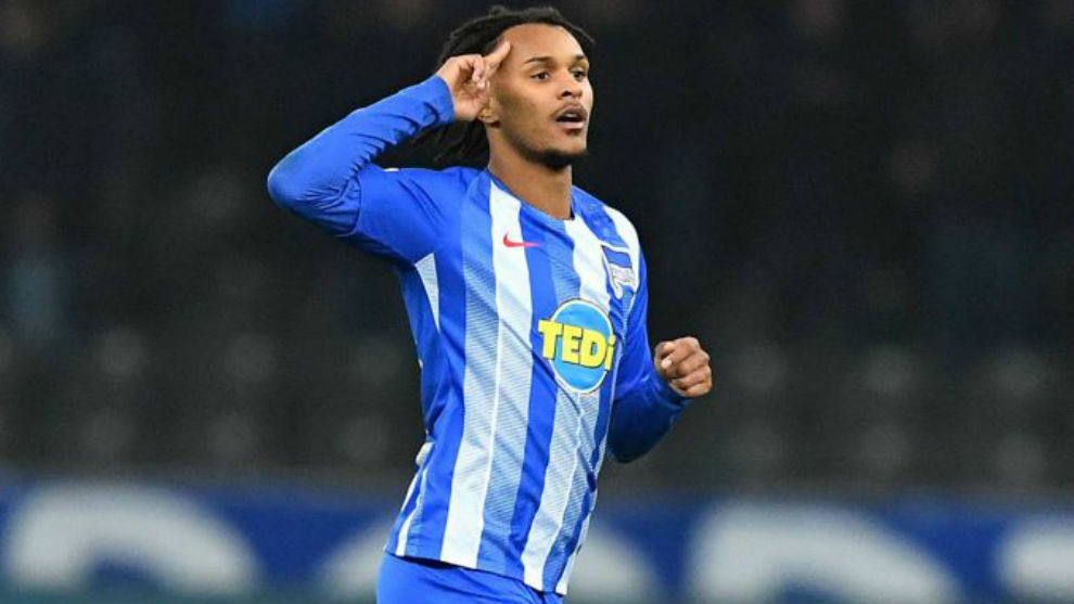Valentino Lazaro playing for Hertha BSC.