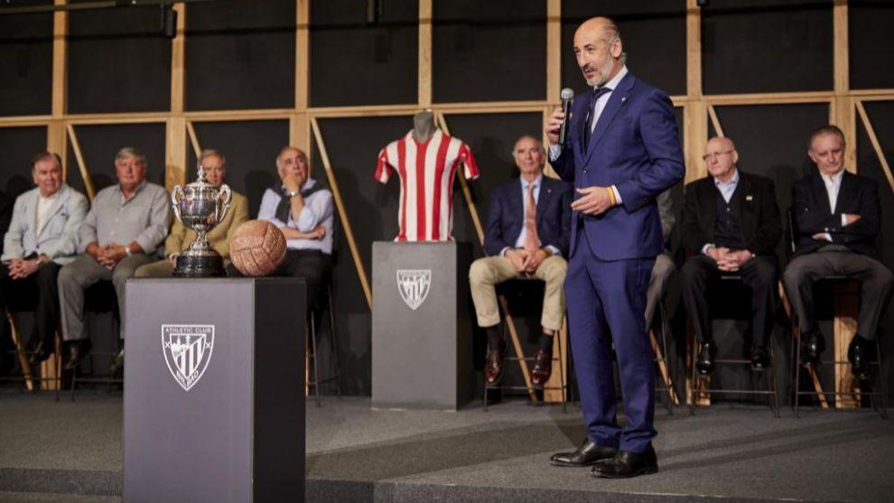Elizegi toma la palabra en el 50 aniversario de la final de Copa...