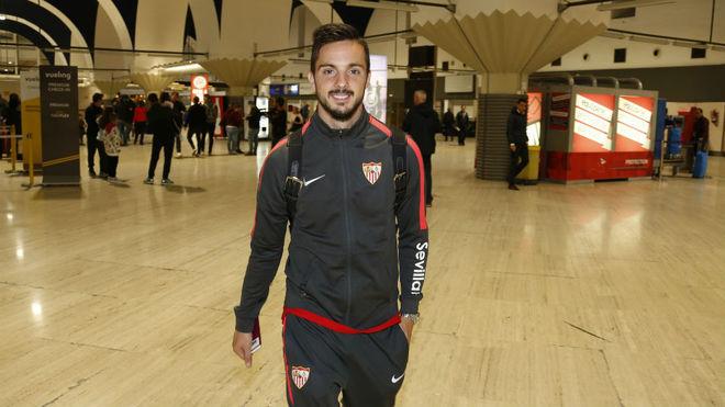 Pablo Sarabia, en el aeropuerto de Sevilla.