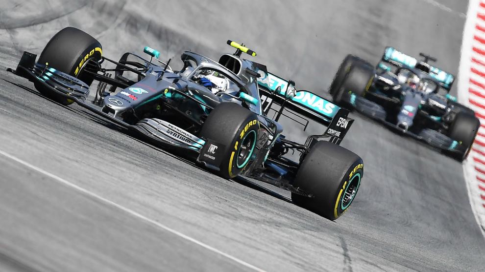Ambos Mercedes rodando en Austria.