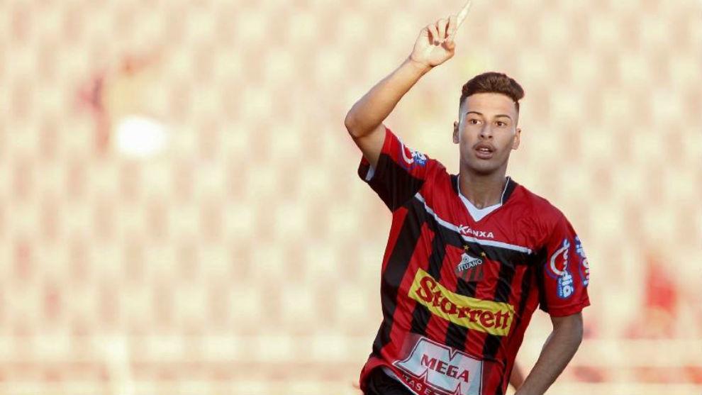 Gabriel Martinelli (18) celebra un gol con el Ituano.