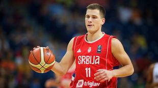 Nemanja Nedovic durante un torneo con Serbia