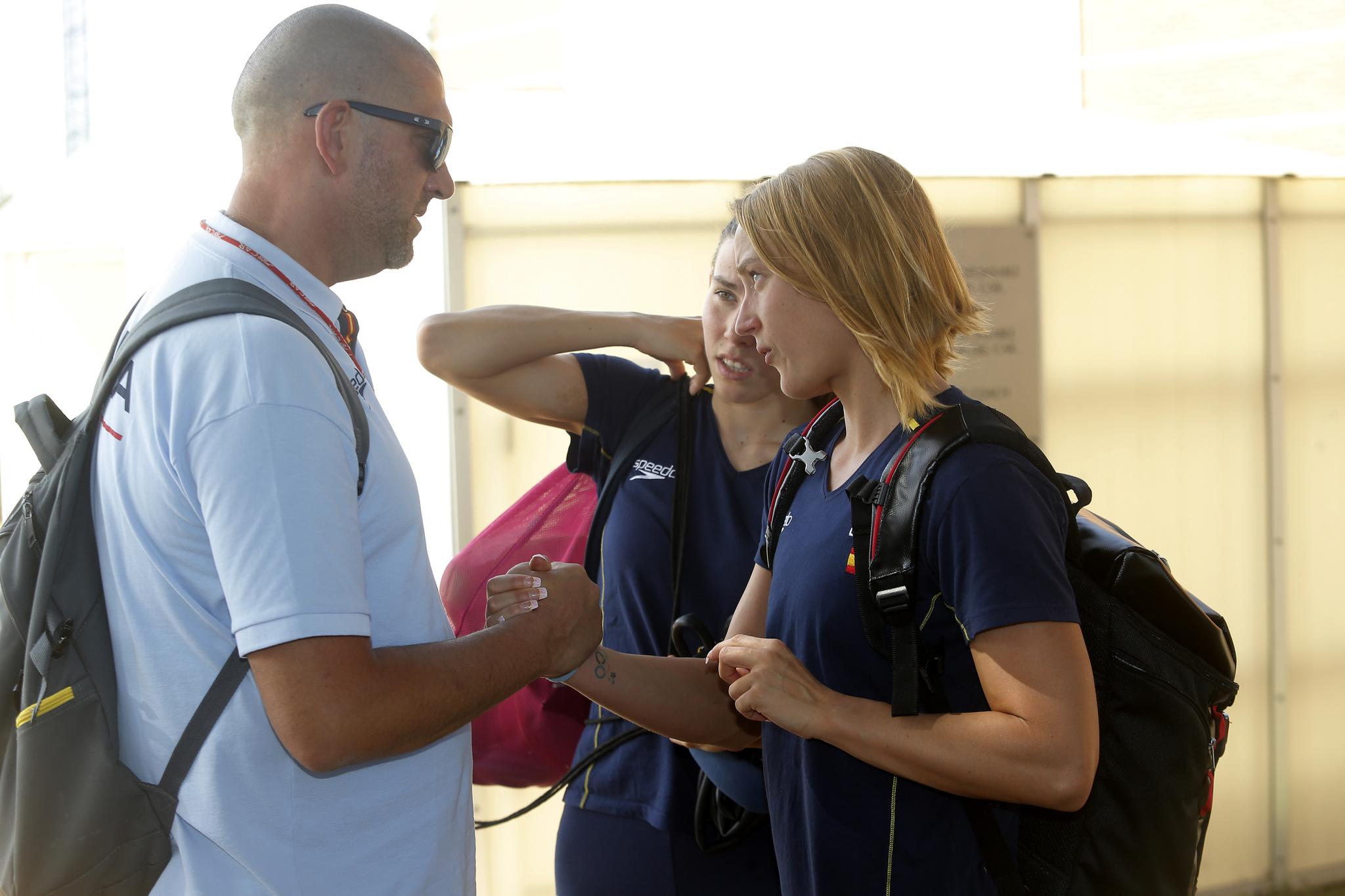 Vergnoux, con Mireia Belmonte y Jimena Pérez.