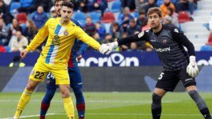 Hermoso, en el encuentro contra el Levante de la pasada temporada.