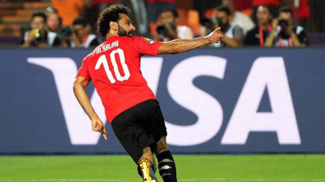Salah celebra uno de sus goles en la Copa África.
