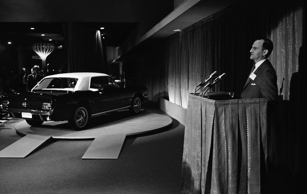 Lee Iacocca, en la presentación mundial del Ford Mustang en 1964