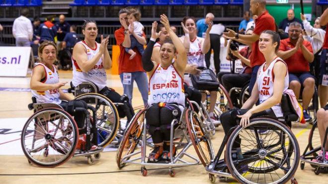 Las jugadoras españolas celebran su victoria ante Francia.