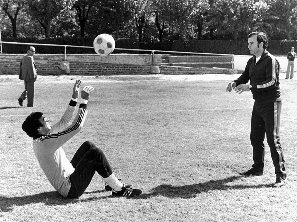 Koldo con Iribar en un entrenamiento de 1977
