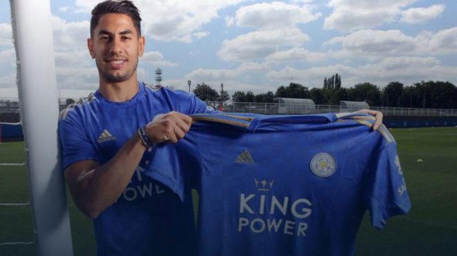 Ayoze Pérez posa con la camiseta del Leicester.