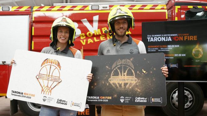 Anna Gómez y Sam Van Rossom presentando la campaña.