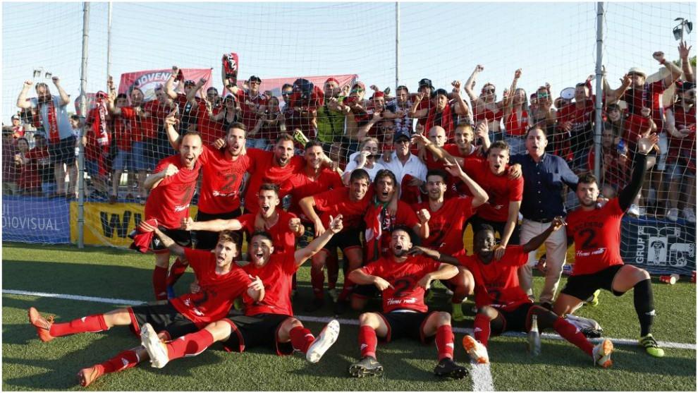 El Mirandés celebra el ascenso a Segunda