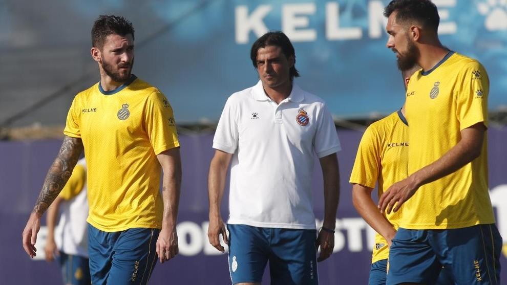 Borja Iglesias y Ferrerya, durante un entrenamiento de esta...