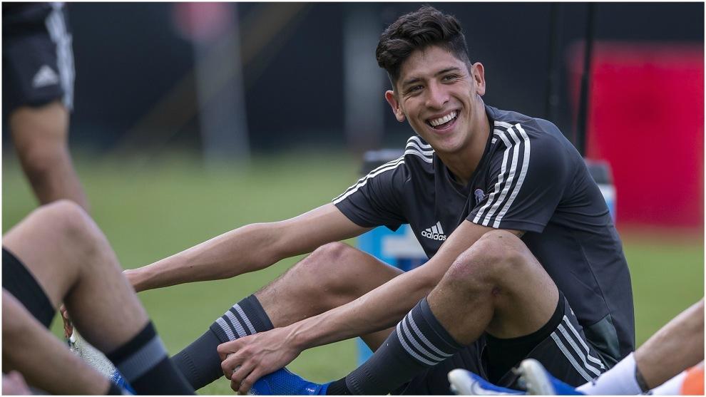 Edson Álvarez, en un entrenamiento con la selección mexicana.